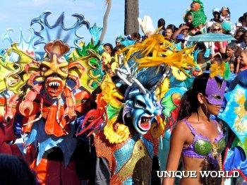 Карнавальные шествия в республике Доминикане