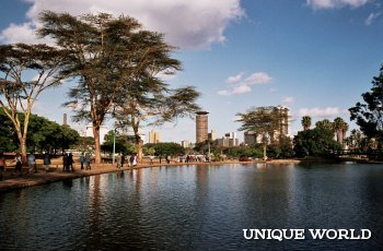Яркая и необычная Кения